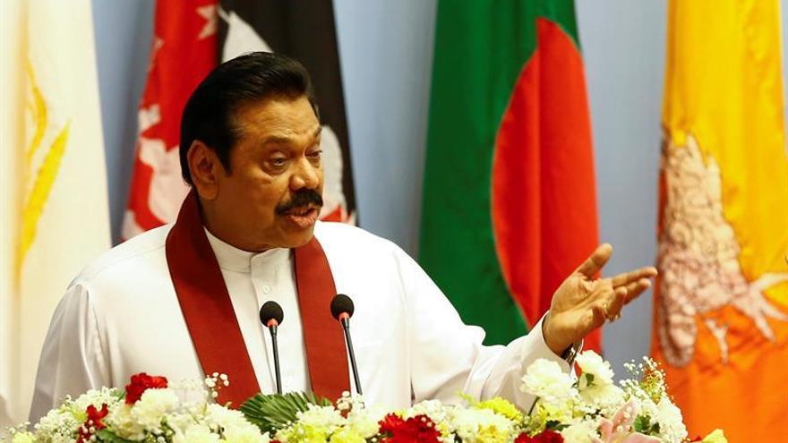 """Rajapaksa critica """"caza de brujas"""" por el arresto de otro de sus hijos en Sri Lanka"""