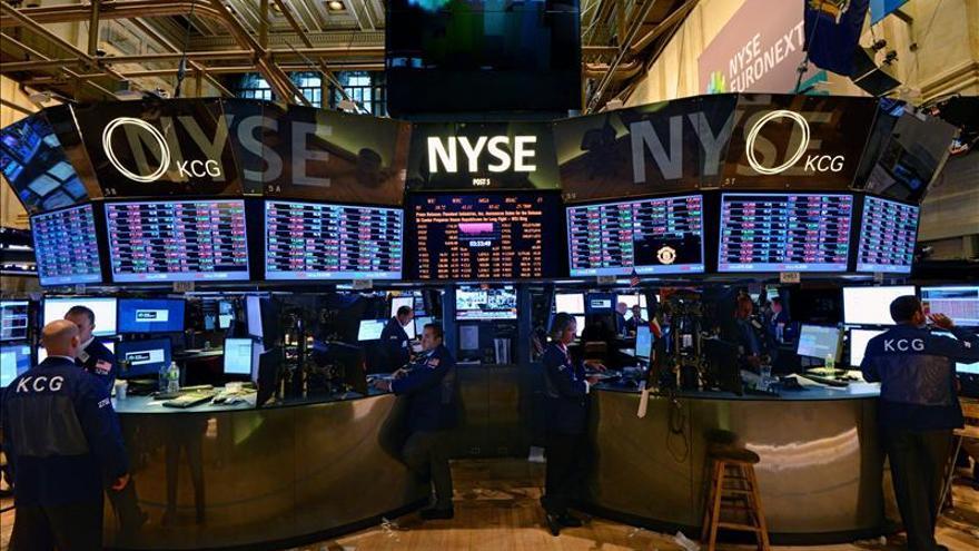 Wall Street abre con pérdidas y el Dow Jones baja un 1,15 por ciento