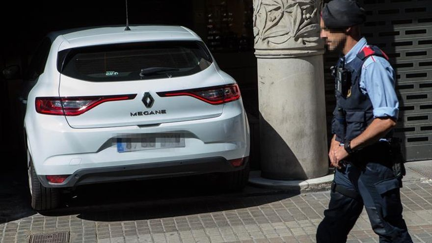 Un detenido y registros en sedes de la Generalitat y Mediapro por el 1-0