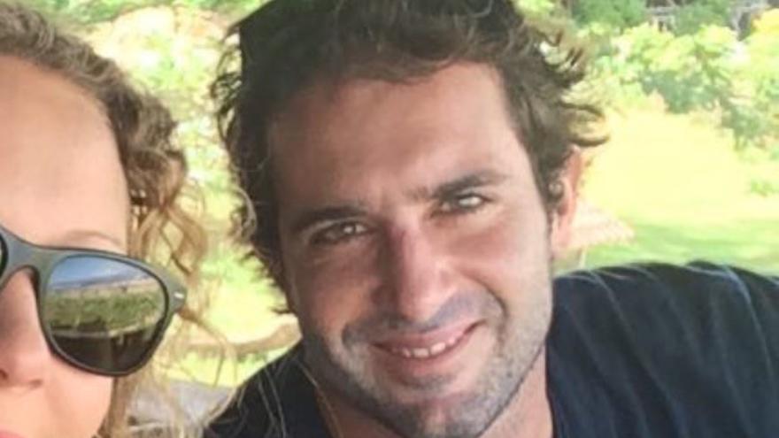 SOS Internacional estudia trasladar al surfista cántabro con leucemia de Balí a Valdecilla