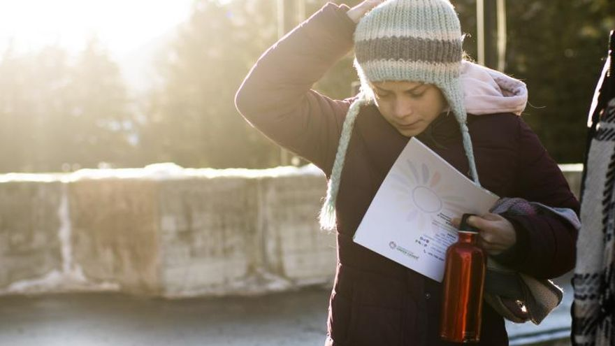La activista medioambiental sueca Greta Thunberg abandonando el Fórum Económico.