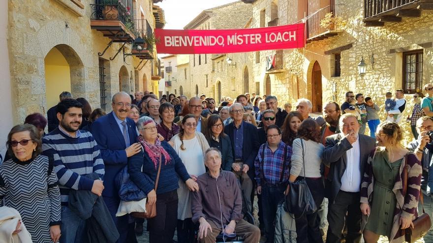 Ken Loach, en el centro, durante su visita a Mirambel para celebrar el aniversario de 'Tierra y Libertad'.