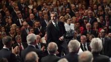 Los reyes, a su llegada a la ceremonia de entrega de los Premios Princesa de Asturias