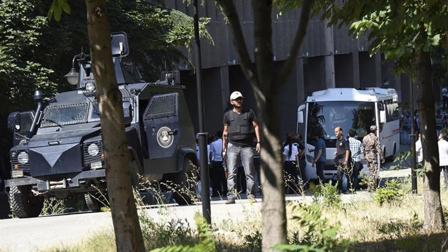 La Fiscalía turca ordena la detención de 530 militares por vínculos golpistas