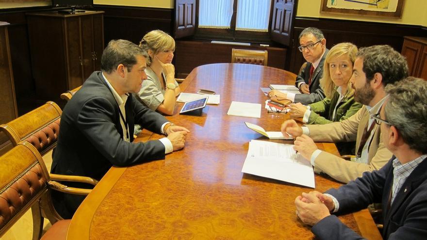 Los municipios catalanes han recibido 401 recursos y denuncias por apoyar la independencia, según la AMI