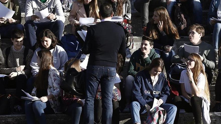 """La adolescencia """"ahora se extiende de los 10 a los 24 años"""", según The Lancet"""