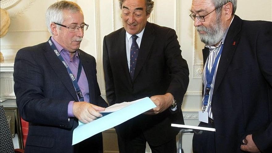 Sindicatos y patronal, reunidos para tratar de cerrar el pacto salarial