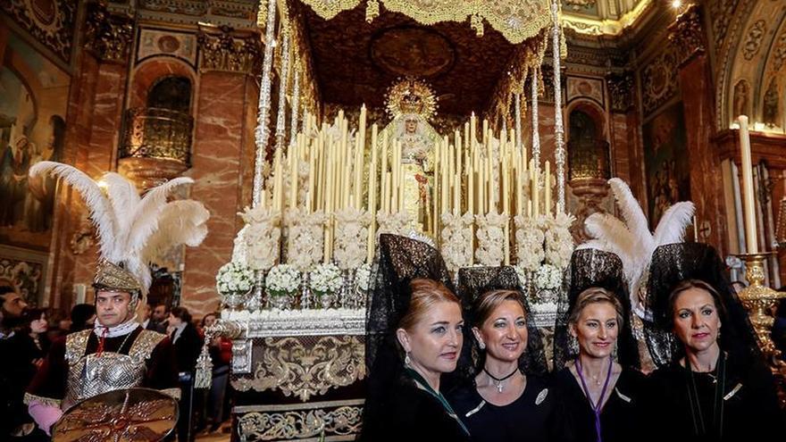 Gran Poder y Macarena de Sevilla reviven una venia histórica que data de 1776
