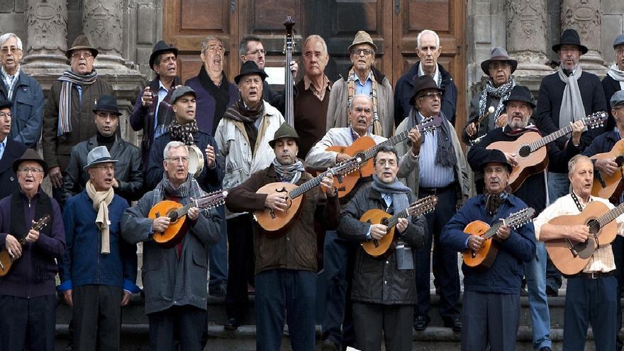 La Rondalla Renacer, también conocida como 'Los viejos villanciqueros'.