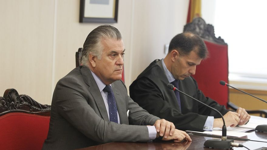"""Bárcenas pide volver a ser tesorero del PP y este responde que el puesto está ocupado y es de """"máxima confianza"""""""