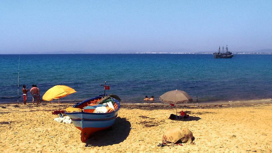 Barcas de pescadores en las inmediaciones de Hammamet, en Cabo Bon. Marcin Grabski