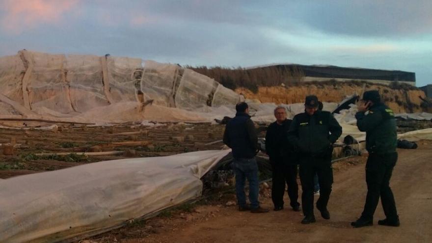 Asaja estima en al menos 200 las hectáreas de invernaderos afectadas por el tornado del sábado en El Ejido