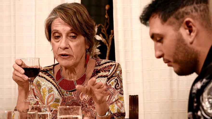 Pilar Gutiérrez en 'Ven a cenar conmigo' con Omar Montes