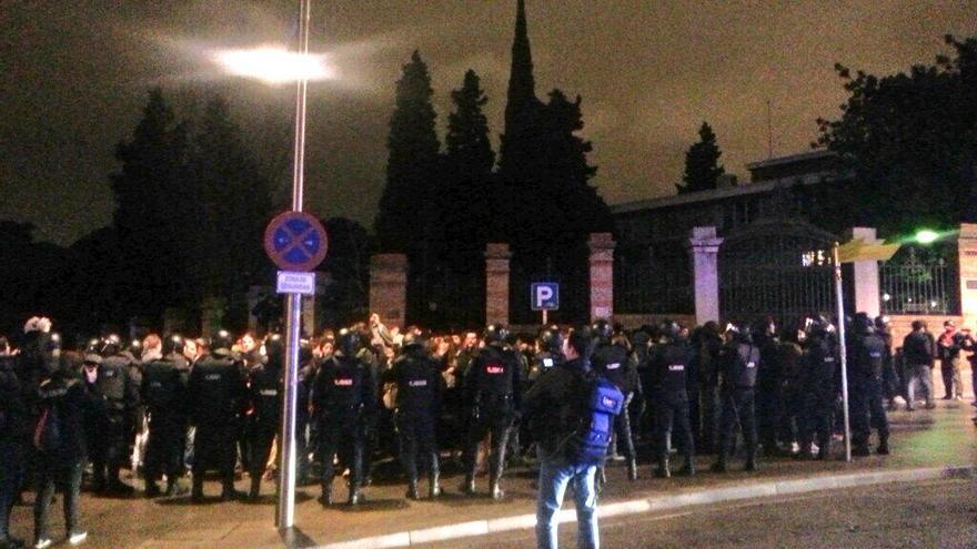 Policía rodea a cientos de manifestantes en el centro de Madrid / Foto: Stéphane M. Grueso (@fanetin)