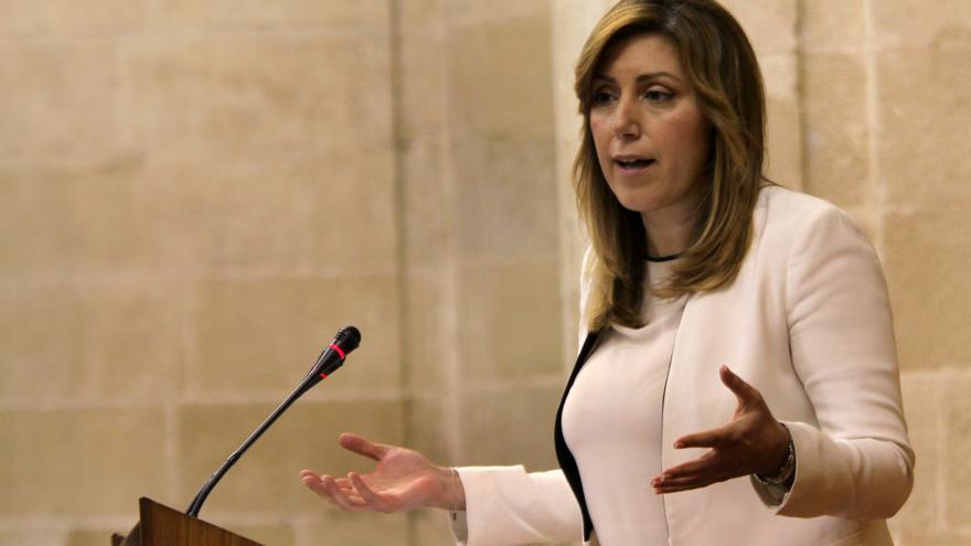 """Susana Díaz defiende su """"obligación"""" de opinar sobre el futuro de España y reclama a Rajoy que asuma su responsabilidad"""