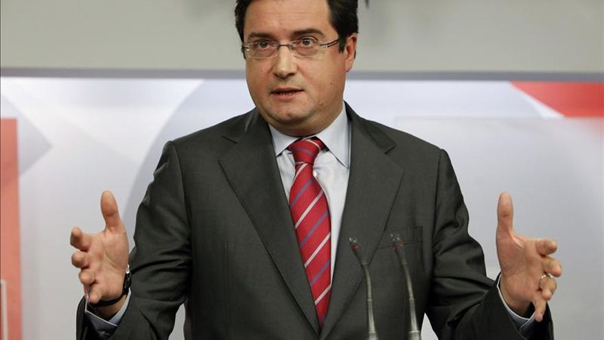 López dice que el próximo gobierno del PSOE evitará por ley la privatización de la sanidad