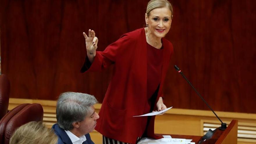 La presidenta de la Comunidad de Madrid, Cristina Cifuentes, durante su intervención este jueves en el pleno de la Asamblea regional.