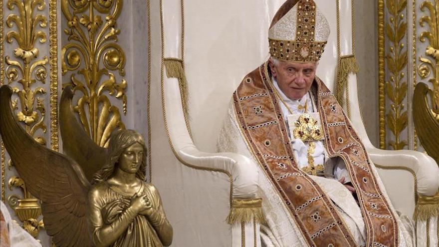 """El papa valora aquellos que """"abandonados o divorciados"""" no vuelven a casarse"""