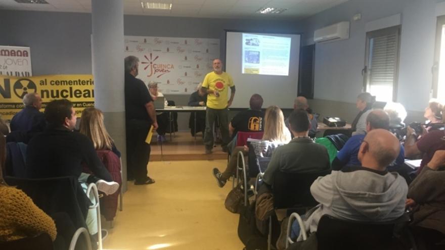 Una de las ponencias de la asamblea del MIA en Cuenca