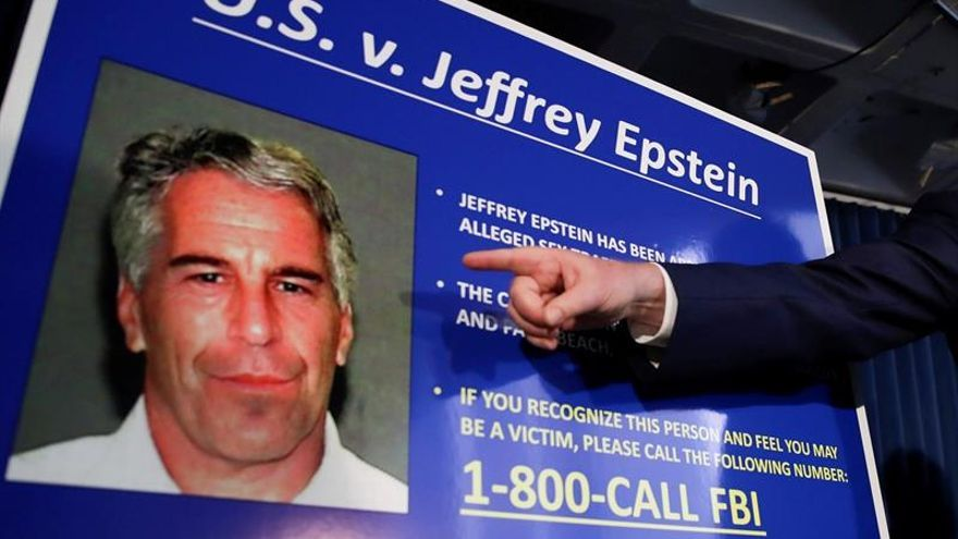 Un redactor del New York Times pidió a Epstein una donación de 30.000 dólares
