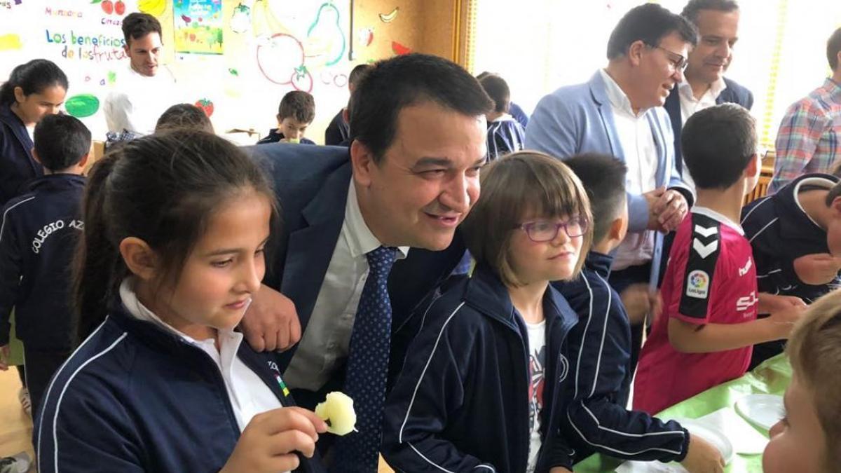 Martínez Arroyo con los escolares