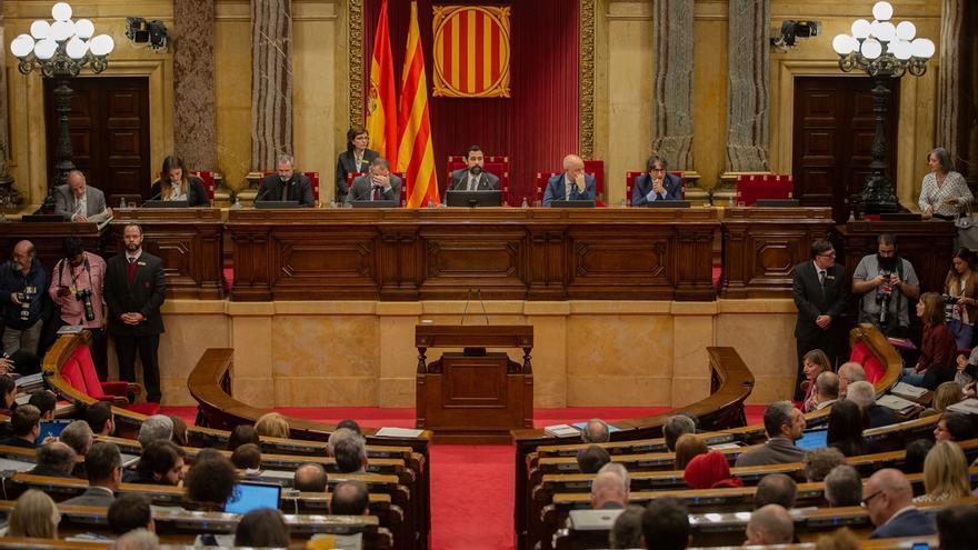 """JxCat lleva al Parlament una moción para votar que """"el derecho de autodeterminación"""" y un referéndum son la solución"""