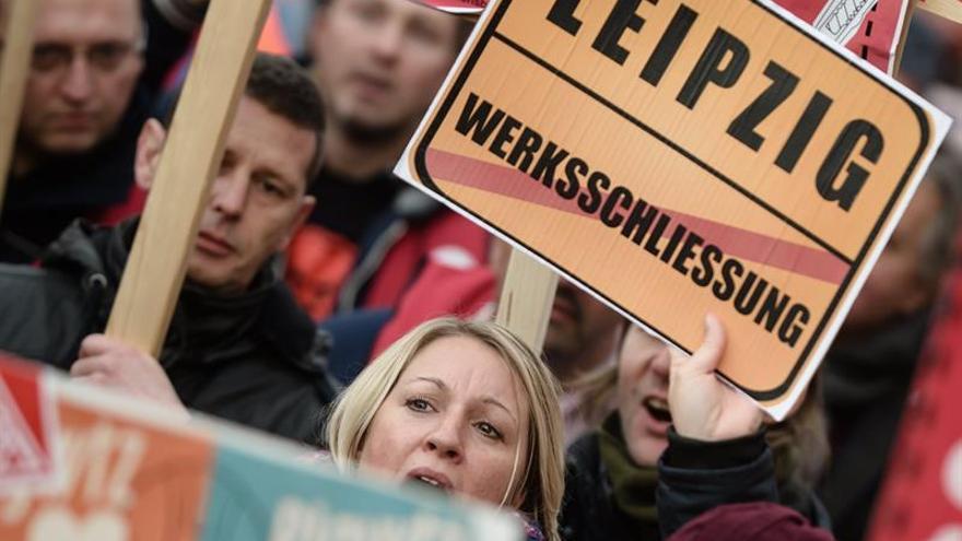 Trabajadores de Siemens protestan en Berlín ante el anuncio de recortes
