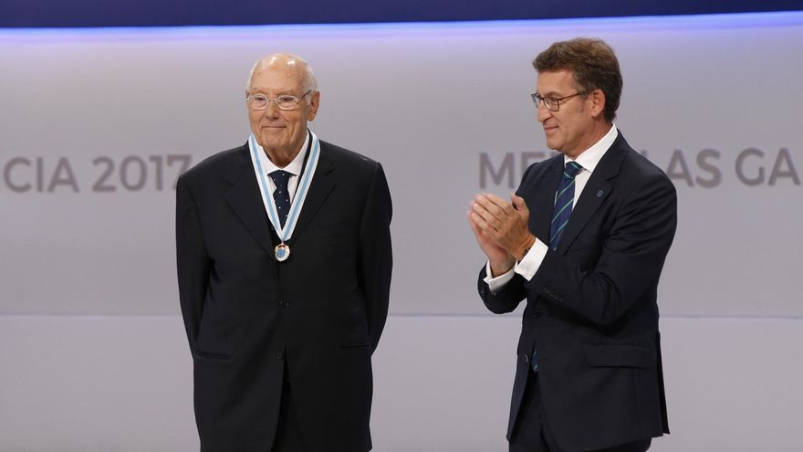 Feijóo, tras imponer la medalla a Romay