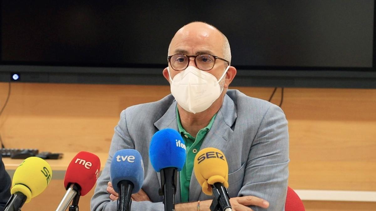El consejero de Sanidad, Miguel Rodríguez.