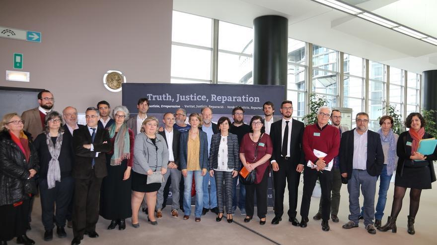 """Eurodiputados recuerdan Gernika y piden que España """"ajuste sus políticas de memoria a estándares internacionales"""""""