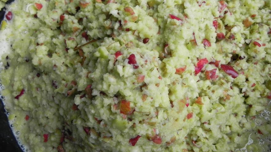 Manzanas trituradas para la elaboración de la sidra O'Daly.