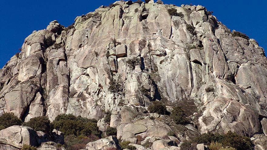 Vista general de La Cabrera: Caras Sureste, Sur y Suroeste.