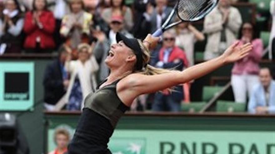 Sharapova celebra el punto definitivo. (Europa Press)