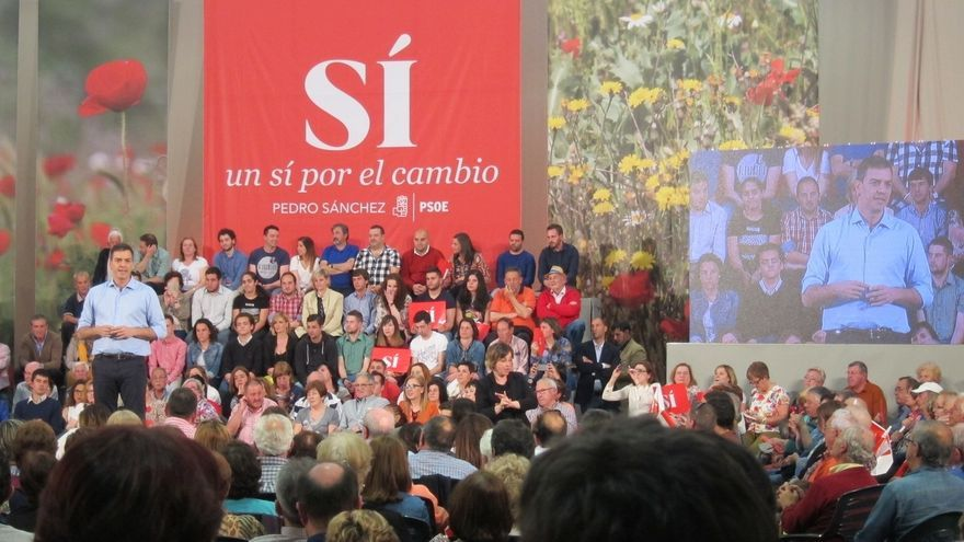 """Pedro Sánchez pide que los recortes e incumplimientos """"no le salgan gratis"""" a Rajoy"""