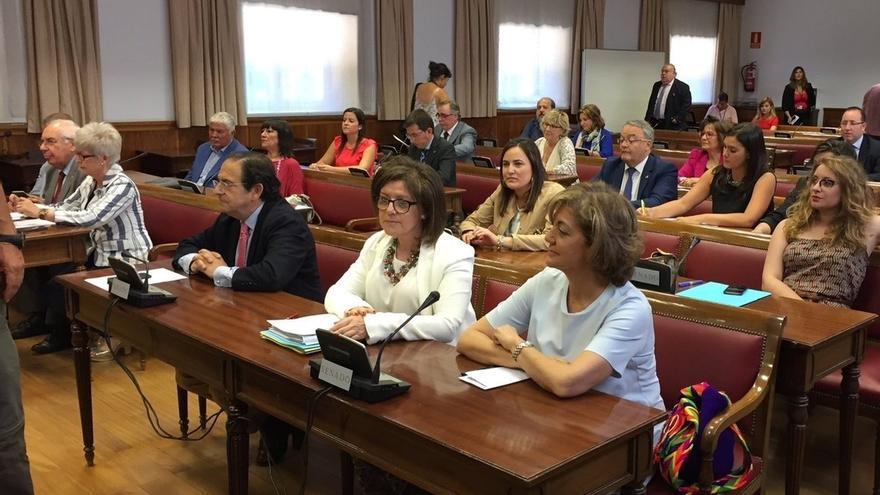El PP ataca a Kutxabank por no colaborar con la comisión del Senado al no informar sobre sus operaciones con el PSOE