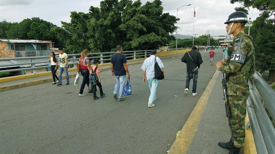 Venezuela reabre su frontera con Colombia tras una semana de cierre
