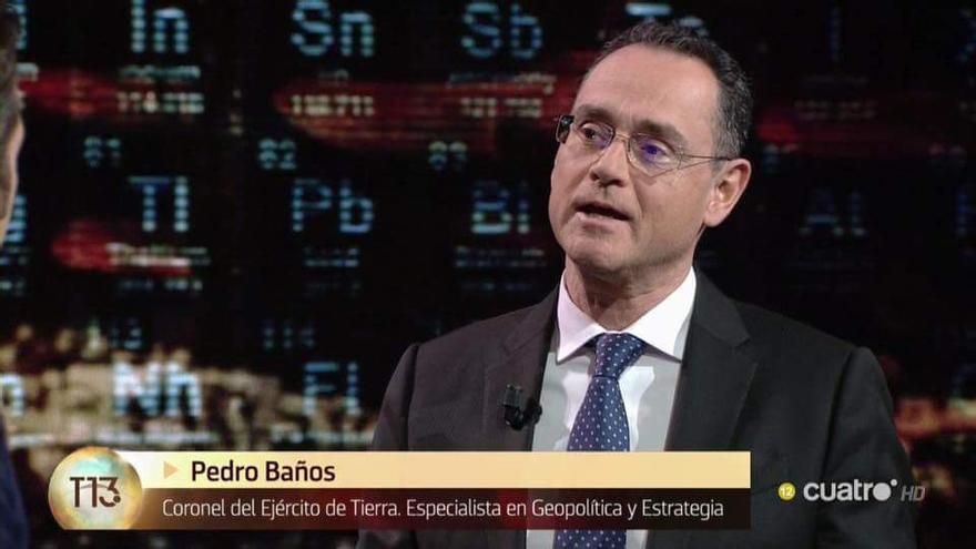 El militar Pedro Baños presentará 'La Mesa del Coronel', nuevo programa de Íker Jiménez y Carmen Porter