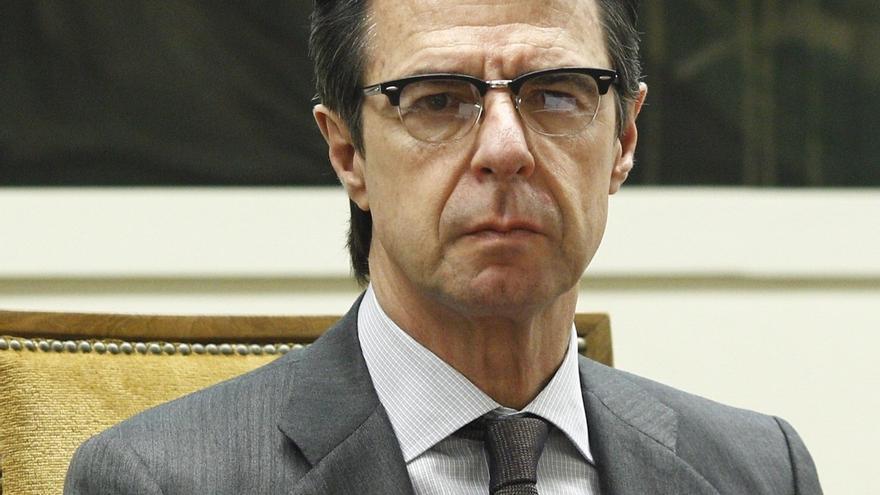 """Soria dice que empresarios catalanes le han expresado """"perplejidad"""" por que Mas se haya puesto en manos de la CUP"""