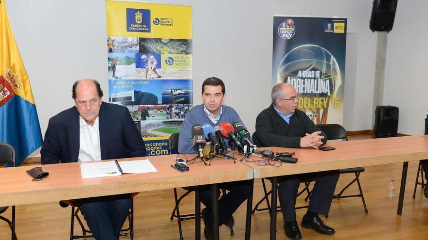 Lucas Bravo de Laguna en el encuentro con la prensa para hacer balance de sus cuatro años al frente de la Consejería de Deportes.