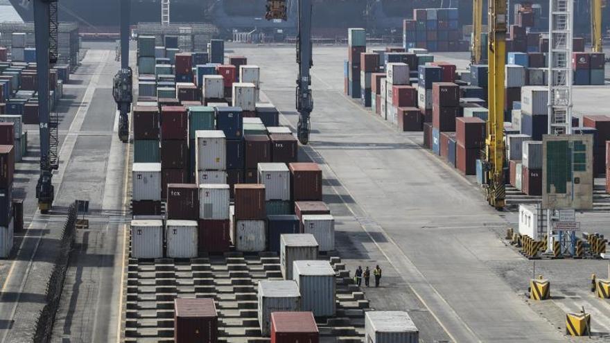 Indonesia devuelve a Estados Unidos 5 contenedores de residuos no declarados