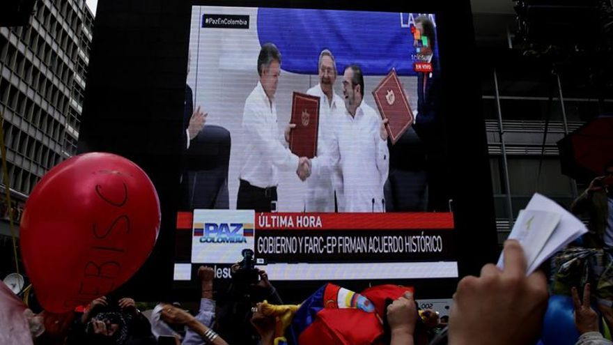 La paz de Colombia recibe apoyo económico y compromiso político internacional