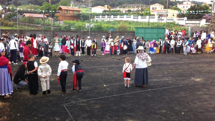 En imagen, este jueves, el colectivo de las Unitarias de la zona Este durante la romería escolar.