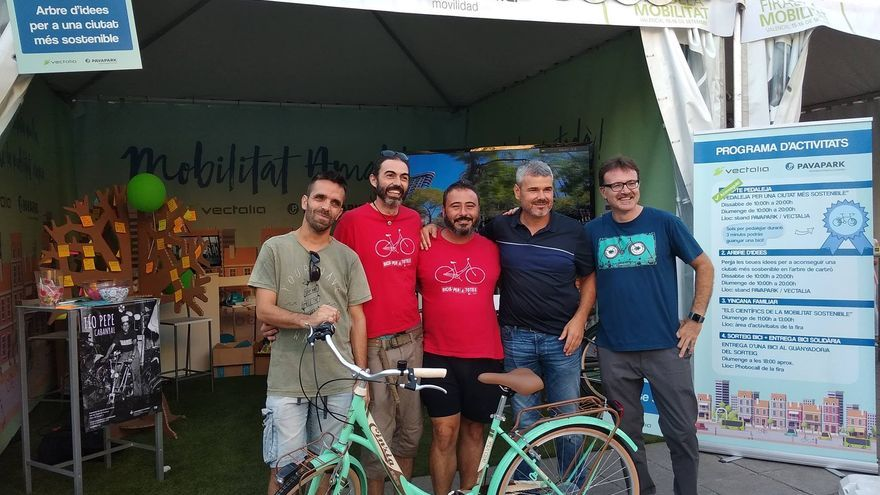 Entrega de la bicileta solidaria número 500