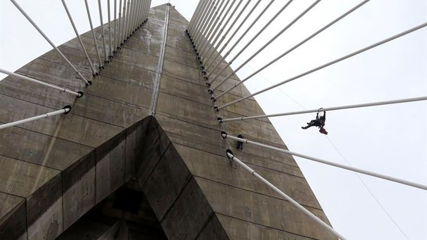 El mayor puente de tirantes de África ha costado 65 millones de euros