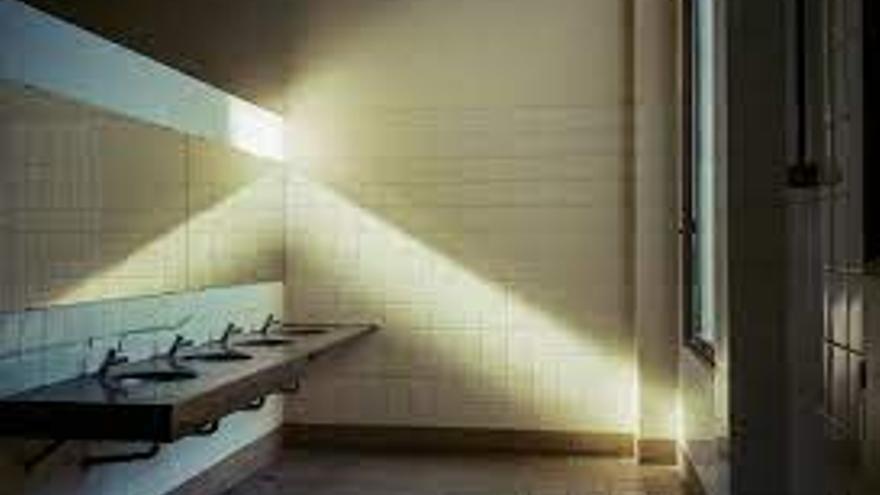 El baño de Puán en la cuenta de @archillect
