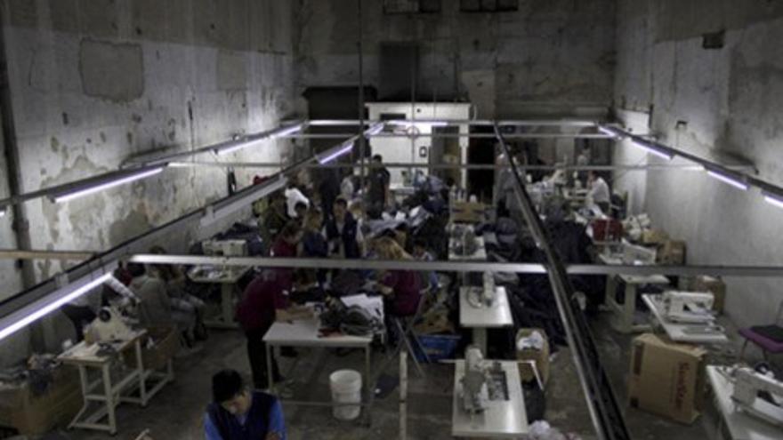 Un taller de costura ilegal denunciado por la Fundación La Alameda. / F.L.A.