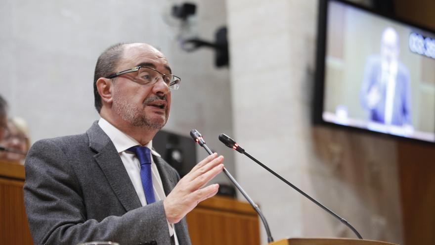 El presidente de Aragón, Javier Lambán, en las Cortes de la comunidad en una imagen de archivo.