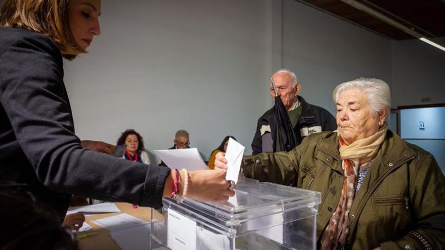 Transcurre con normalidad la jornada electoral en Cordobilla de Lácara