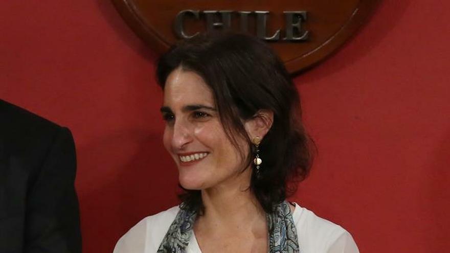 """En la imagen un registro de la ministra chilena de Trabajo, María José Zaldívar, quien afirmó que """"estas indicaciones surgen de un diálogo abierto entre todos los sectores políticos y recoge la mirada de la ciudadanía""""."""