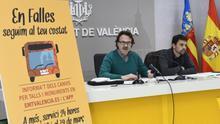 El concejal de Movilidad, Giuseppe Grezzi, junto al gerente de la EMT, Josep Enric García.